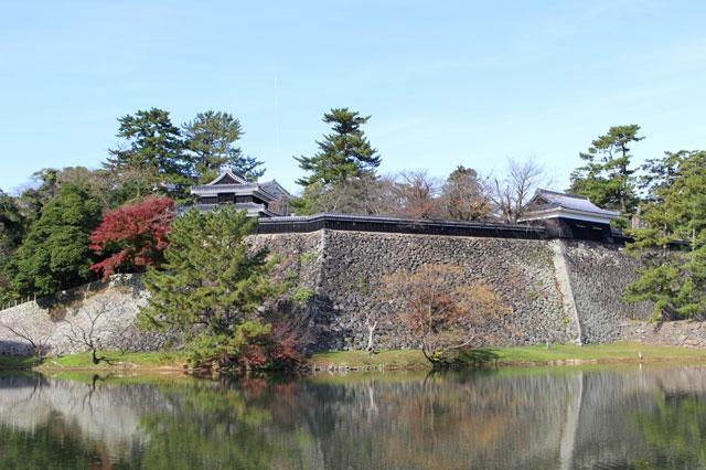 櫓(やぐら/見張り台)