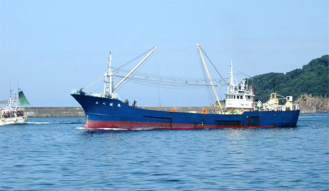 浜田漁港のまき網漁船