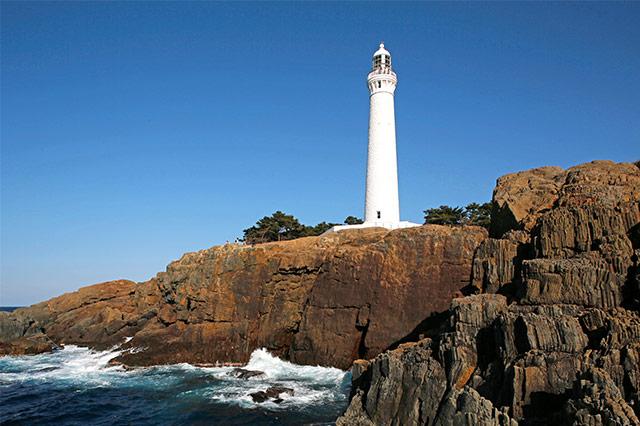 海から見た出雲日御碕灯台