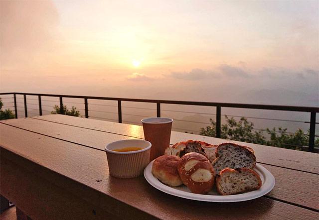 天空の朝ごはん
