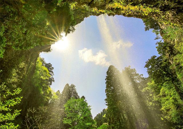 隠岐の島の壇鏡の滝