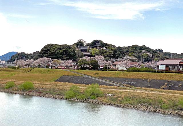 高津川の美しい河川敷